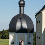 Hochzeitsfoto-05, Paar vor Kapelle