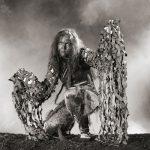 Huraxdax-Theaterfoto, Fabelwesen im Nebel